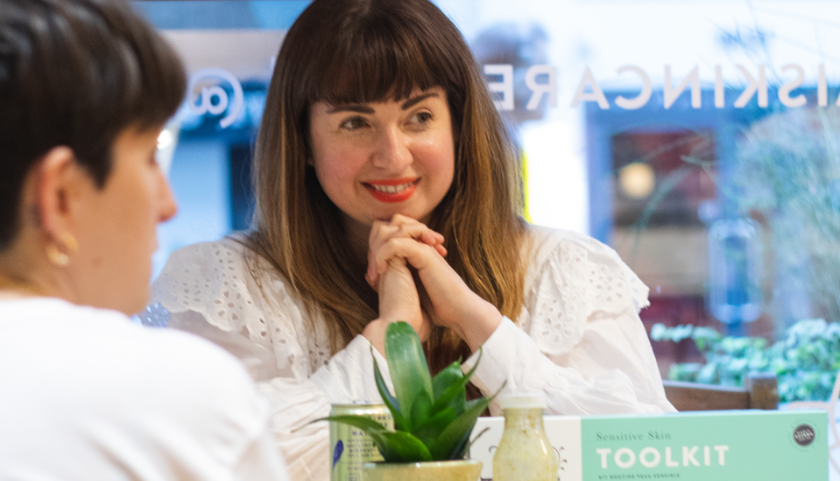 Lucy Sheridan in consultation at the Pai Skincare Pop-up